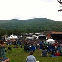 Das Foto wurde bei Mountain Jam von Andrea G. am 6/2/2012 aufgenommen