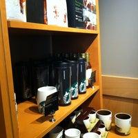 Photo prise au Starbucks Coffee par virginie b. le3/9/2012
