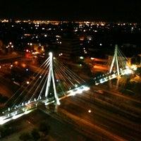 Foto tomada en Pasarela Huerfanos por Jorge P. el 2/23/2012