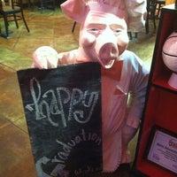 5/11/2012 tarihinde Angelina C.ziyaretçi tarafından Smokin' Chicks BBQ'de çekilen fotoğraf