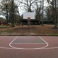 Foto tomada en Brownwood Park por Matthew B. el 3/12/2012