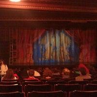 Das Foto wurde bei Dominion Theatre von Alisha D. am 4/9/2012 aufgenommen