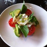 8/8/2012 tarihinde Ranndy K.ziyaretçi tarafından Palisade Restaurant'de çekilen fotoğraf