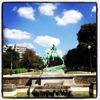 Photo prise au Square Ambiorix par Benoit T. le8/23/2012
