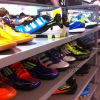 a6e80e81e ... Foto tirada no(a) Adidas Outlet por Roberto G. em 8 3 ...