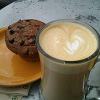 7/22/2012 tarihinde Amy T.ziyaretçi tarafından Lemonjello's Coffee'de çekilen fotoğraf