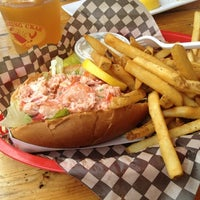 Снимок сделан в The Barking Crab пользователем Megan H. 7/8/2012