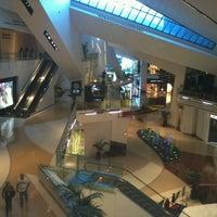 Das Foto wurde bei The Shops at Crystals von @Jhoggie am 2/9/2012 aufgenommen