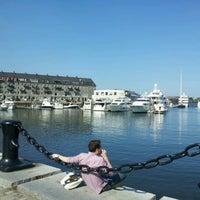 Foto scattata a Boston Harbor da Susan L. il 7/30/2012