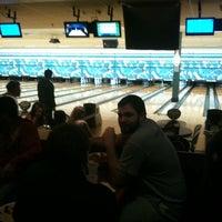 Снимок сделан в Park Tavern Bowling & Entertainment пользователем Miken R. 3/5/2012