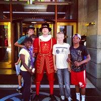 6/27/2012 tarihinde Adam W.ziyaretçi tarafından The Heathman Hotel'de çekilen fotoğraf