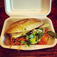 Снимок сделан в Num Pang Sandwich Shop пользователем Ron V. 6/8/2012