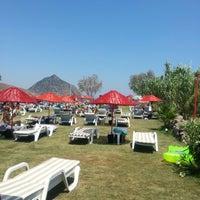 Foto scattata a İncir Beach da Oguzhan V. il 7/14/2012