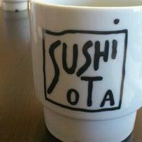 รูปภาพถ่ายที่ Sushi Ota โดย Anthony K. เมื่อ 2/9/2012