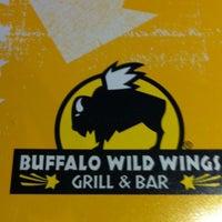 Foto tomada en Buffalo Wild Wings por Arvin V. el 4/18/2012