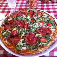 Foto scattata a Miss Pizza da Temel Y. il 5/12/2012
