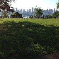 Das Foto wurde bei Riverside Park von Bomin K. am 6/3/2012 aufgenommen