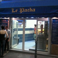 รูปภาพถ่ายที่ Le Pacha โดย Dan A. เมื่อ 6/17/2012