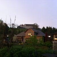 Снимок сделан в Antler Village At Biltmore Estate пользователем Brandy B. 3/31/2012
