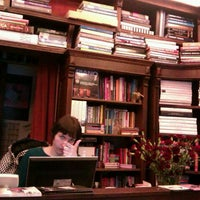 Foto scattata a Jak wam się podoba / As You Like It Bookstore da Anna K. il 2/24/2012
