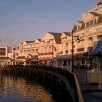 Снимок сделан в Disney's BoardWalk пользователем Adam H. 2/21/2012