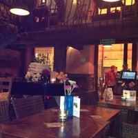 9/12/2012 tarihinde Volkan Y.ziyaretçi tarafından La Cantina Bar & Restaurant'de çekilen fotoğraf