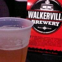 Foto scattata a Walkerville Brewery da Giovanni E. il 8/31/2012