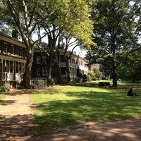Das Foto wurde bei Colonels Row von Erica M. am 7/22/2012 aufgenommen