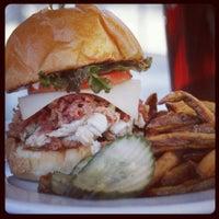 9/6/2012에 Highland T.님이 Highland Tap and Burger에서 찍은 사진