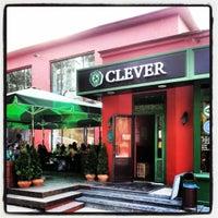 Foto scattata a Clever Irish Pub da ShuS А. il 6/2/2012
