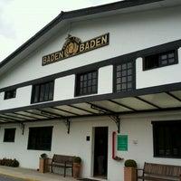Foto tirada no(a) Cervejaria Baden Baden por Ana S. em 5/12/2012
