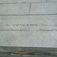 Снимок сделан в Memorial to the 56 Signers of the Declaration of Independence пользователем Jen H. 6/13/2012