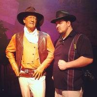 Foto tirada no(a) Madame Tussauds Las Vegas por Mike M. em 7/24/2012