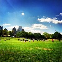 รูปภาพถ่ายที่ Piedmont Park โดย Lysa F. เมื่อ 3/25/2012