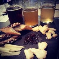 Foto diambil di Alphabet City Beer Co. oleh Melody H. pada 6/7/2012