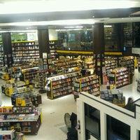 8/31/2012 tarihinde Claudia Z.ziyaretçi tarafından Saraiva MegaStore'de çekilen fotoğraf