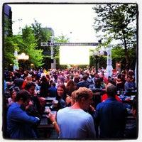 Das Foto wurde bei The Garden at Studio Square von Brandon R. am 5/5/2012 aufgenommen