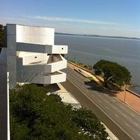 Foto tomada en Fundación Iberê Camargo por Marcelo L. el 3/6/2012