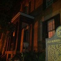 Das Foto wurde bei Sorrel Weed House - Haunted Ghost Tours in Savannah von Kevin am 3/11/2012 aufgenommen