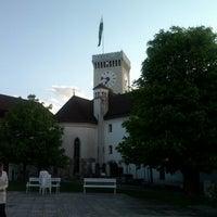 Foto diambil di Ljubljanski Grad | Ljubljana Castle oleh Gianluca P. pada 4/23/2012