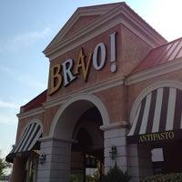 Das Foto wurde bei BRAVO! Cucina Italiana von Melanie F. am 7/2/2012 aufgenommen