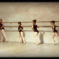 Foto tirada no(a) Ashburn Academy of Ballet por Anthony W. em 5/2/2012