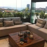 Photo prise au Frankie İstanbul par Idil C. le7/9/2012