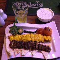 2/23/2012 tarihinde Emre W.ziyaretçi tarafından Atashkadeh Restaurant & Bar'de çekilen fotoğraf