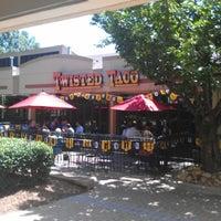 Снимок сделан в Twisted Taco Perimeter пользователем ricky l. 6/12/2012