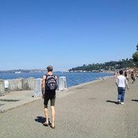 8/11/2012 tarihinde Nick S.ziyaretçi tarafından Alki Beach Park'de çekilen fotoğraf