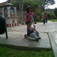 5/14/2012 tarihinde Cynthia F.ziyaretçi tarafından Parque 9 - Virgen del Carmen'de çekilen fotoğraf