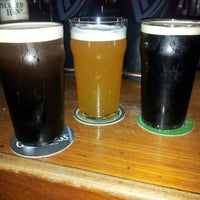 9/2/2012にFelipe S.がAll Black Irish Pubで撮った写真
