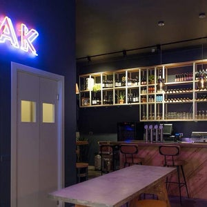 OAK Wine and Craft Beer
