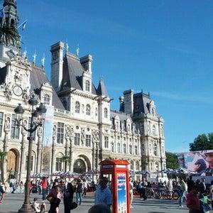 Place de lHôtel de Ville �?? Esplanade de la Libération